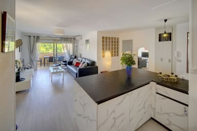 IMMOGROOM - Bright in Cannes'center - with terrace - CONGRESS/BEACHES