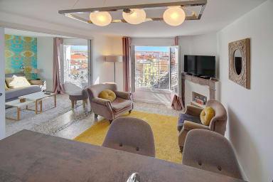 Ref. 19 - Venizelos Top Floor