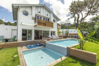 Bello : magnifique villa avec un esprit exotique à Biarritz