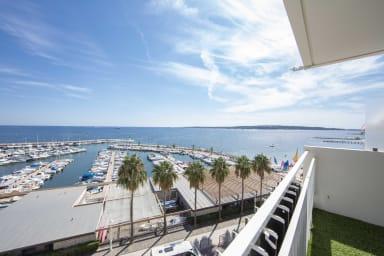 Appartement équipé 70 m² face à la mer dernier étage avec magnifique vue me