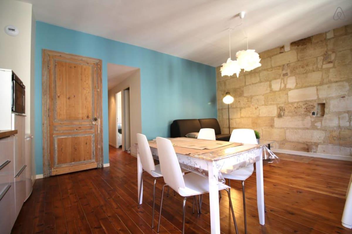 Probleme De Moucheron Dans La Cuisine beautiful apartment for 4 heart historic district, near rue