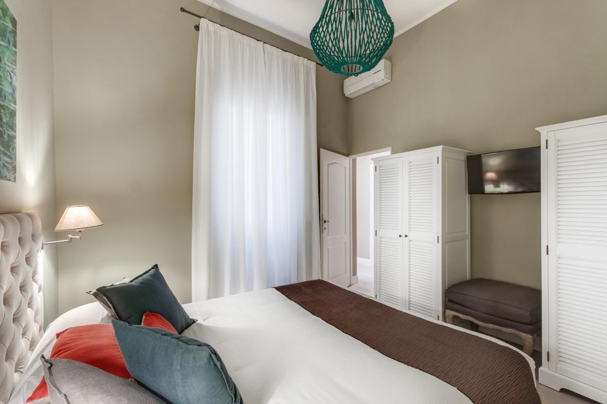 Apartment GIGLIO COURTYARD - Duomo Stylish Apartment  photo 20439304
