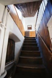 Escaliers vers le 1er étage