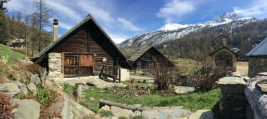 CHALET D'ALPAGE LE PETIT FONTCOUVERTE 1800m alt Névache Vallée de la Clarée