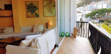Tamariu Pescadors -  Free Wi-Fi and a spacious and sunny balcony!