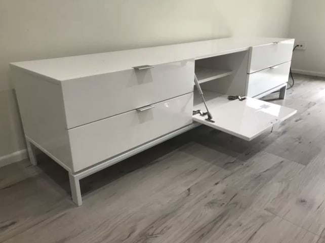 Josie large entertainment unit glossy white 02