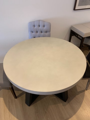 Marin round dining table 03