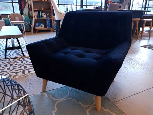 Pia armchair ebony black 02