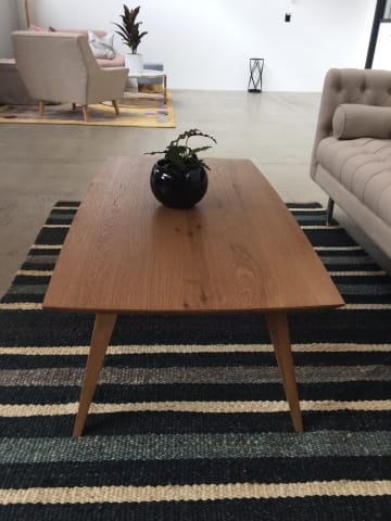 Hans coffee table 02