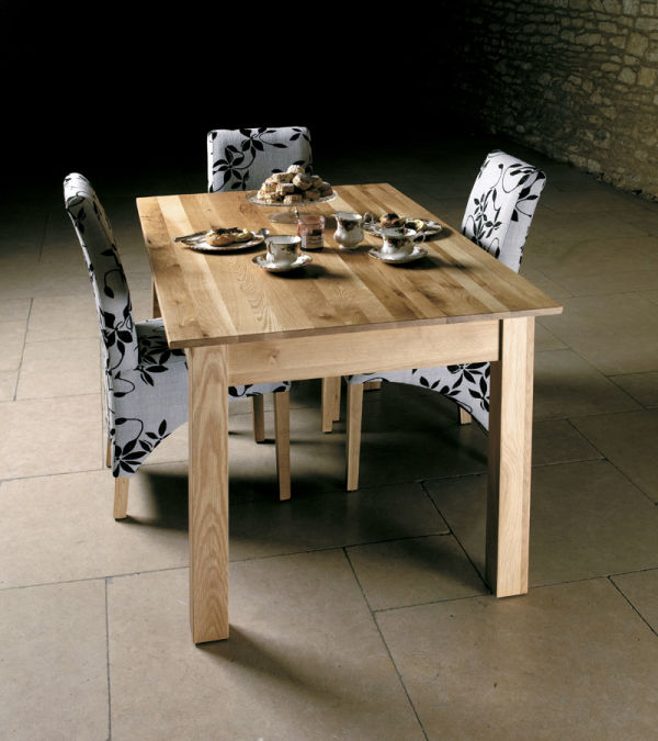 Mobel Oak Dining Table Seats Four to Six