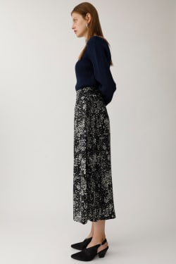 RANDOM FLOWER PLEATS skirt
