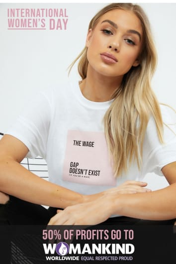 THE WAGE GAP DOESN'T EXIST OVERSIZED WHITE T-SHIRT