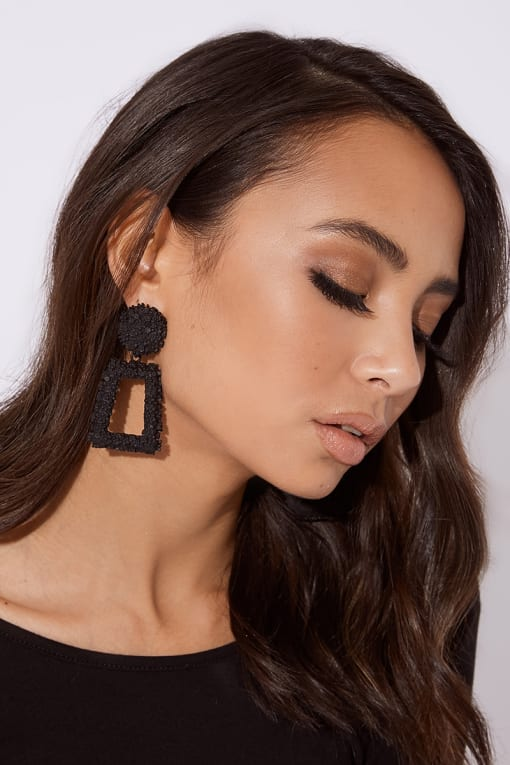 BLACK SQUARE DROP EARRINGS