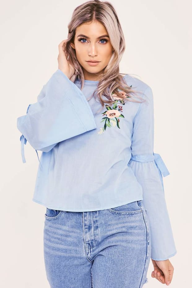 DESMA BLUE FLORAL EMBROIDERED FLARED SLEEVE TOP