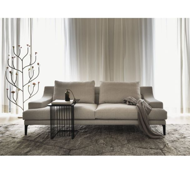 Megara: 3 seater sofa available in different finishings