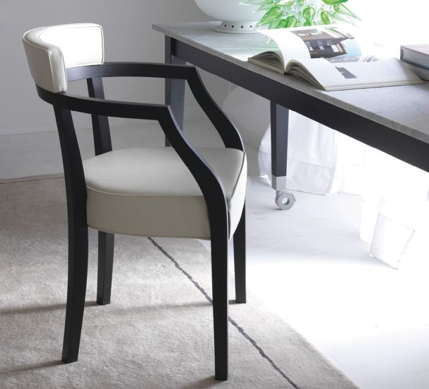 Neoz: Table L 210 cm W 90 cm H 73 cm on casters
