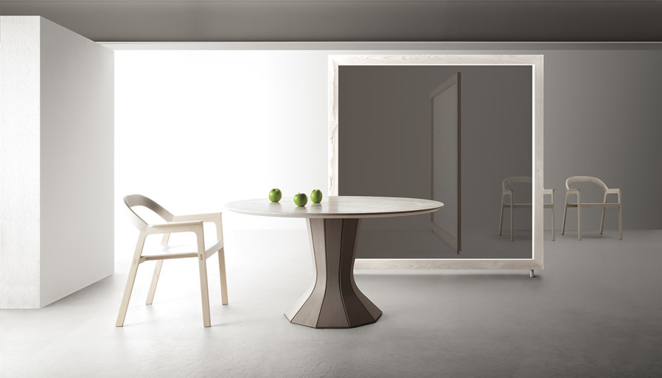 Opera Fisso: Table Ø140 cm in different finishings