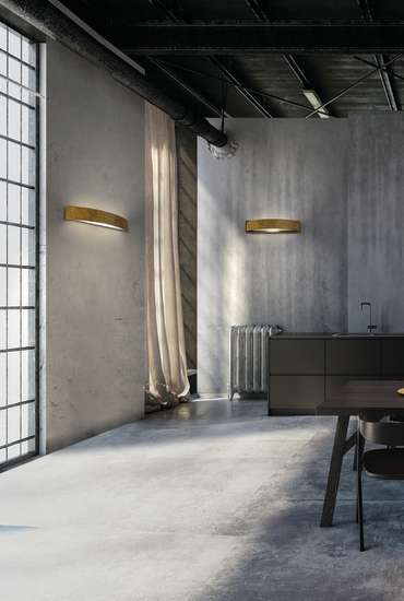 Lola: Wall lamp available in different sizes