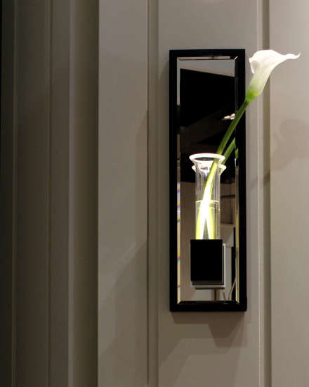Lala AP Soliflor: Wall lamp in different finishings