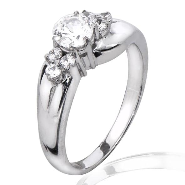 แหวนทอง 18K ประดับเพชร น้ำหนักรวม 0.75 กะรัต ค่าสี F ค่าความสะอาด VS2 EX/EX/EX เพชรมาพร้อมใบรับรองจาก GIA