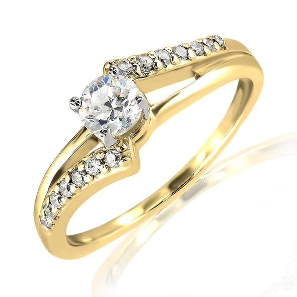 แหวนทอง 18K ประดับเพชร น้ำหนักรวม 0.42 กะรัต ค่าสี F ค่าความสะอาด VS