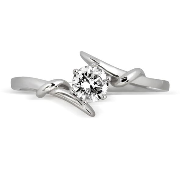 แหวนทอง 18K ประดับเพชร น้ำหนักรวม 0.50 กะรัต ค่าสี D ค่าความสะอาด VS1 EX/EX/EX เพชรมาพร้อมใบรับรองจากสถาบัน GIA