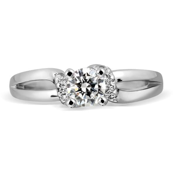แหวนทอง 18K ประดับเพชร น้ำหนักรวม 0.35 กะรัต ค่าสี F ค่าความสะอาด VVS2 เพชรมาพร้อมใบรับรองจาก GIA