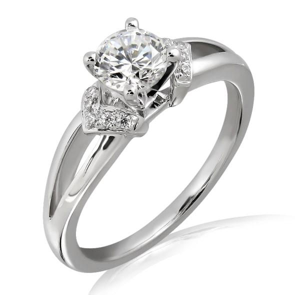 แหวนทอง 18K ประดับเพชร น้ำหนักรวม 0.50 กะรัต ค่าสี D ค่าความสะอาด VS2 EX/EX/EX เพชรมาพร้อมใบรับรองจาก GIA