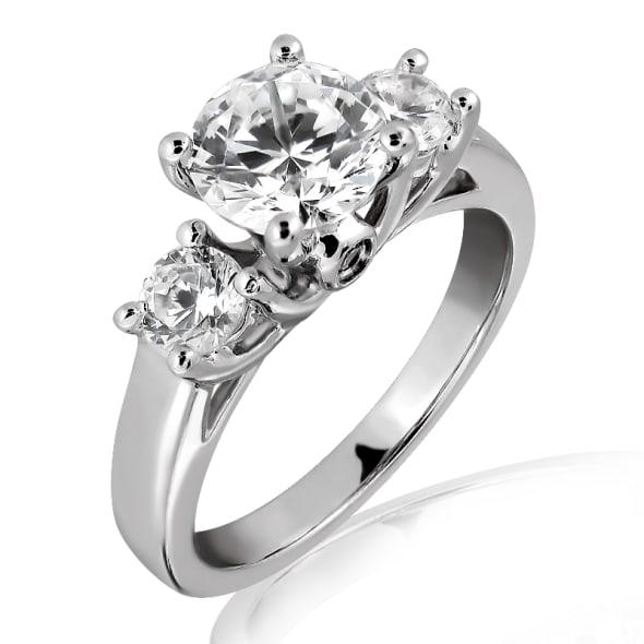 แหวนทอง 18k ประดับเพชร น้ำหนักรวม 0.55 กะรัต ค่าสี E ค่าความสะอาด VS