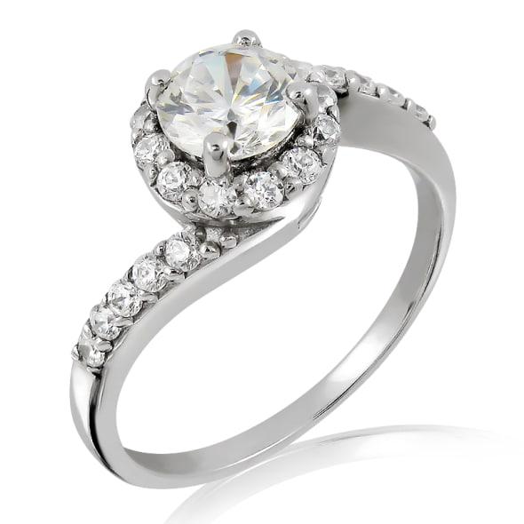 แหวนทอง 18K ประดับเพชร น้ำหนักรวม 0.70 กะรัต ค่าสี D ค่าความสะอาด VS2 EX/EX/EX เพชรมาพร้อมใบรับรองจาก GIA