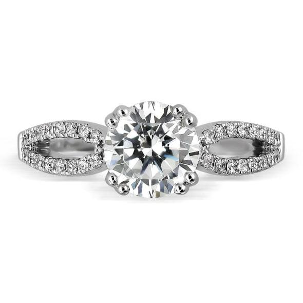 แหวนทอง 18K ประดับเพชร น้ำหนักรวม 0.60 กะรัต ค่าสี F ค่าความสะอาด VS2 EX/EX/EX เพชรมาพร้อมใบรับรองจากสถาบัน GIA