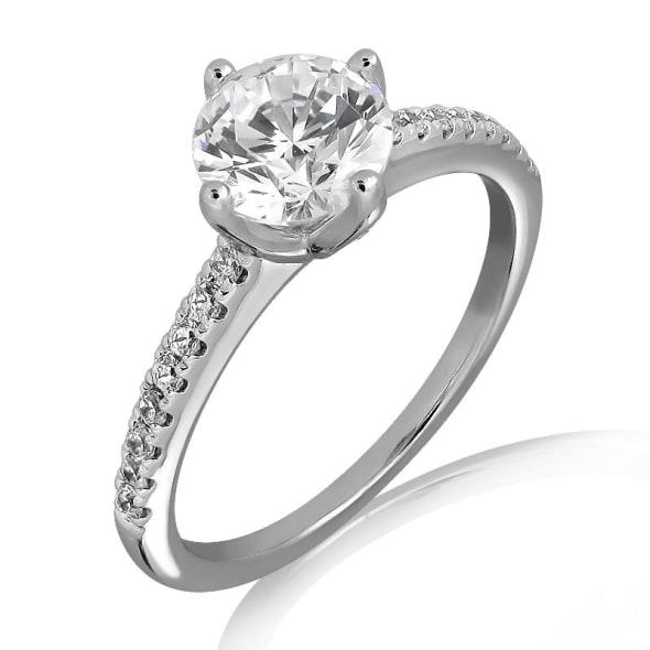 แหวนทอง 18K ประดับเพชร น้ำหนักรวม 0.50 กะรัต ค่าสี E ค่าความสะอาด VS2 EX/EX/EX เพชรมาพร้อมใบรับรองจากสถาบัน GIA