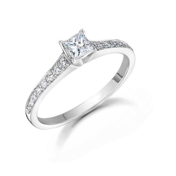 แหวนทอง 18K ประดับเพชร น้ำหนักรวม 0.25 กะรัต ค่าสี G ค่าความสะอาด VS