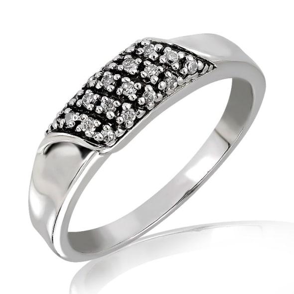 แหวนเพชรหมั้นหญิง ทอง 18K ประดับเพชร น้ำหนักรวม 0.30 กะรัต ค่าสี F ค่าความสะอาด VS