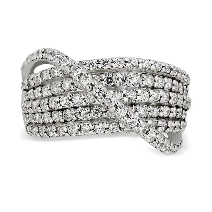 แหวนทอง 18K ประดับเพชร น้ำหนักรวม 1.35 กะรัต ค่าสี F ค่าความสะอาด VS