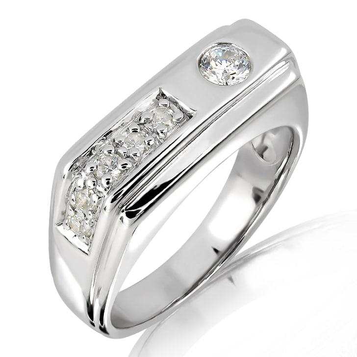 แหวนหมั้นชาย ทอง 18K ประดับเพชร น้ำหนักรวม 0.25 กะรัต ค่าสี F ค่าความสะอาด VS
