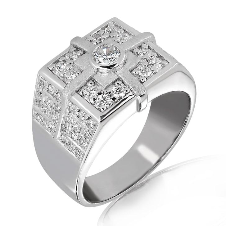 แหวนทอง 18K ประดับเพชร น้ำหนักรวม 0.75 กะรัต ค่าสี E ค่าความสะอาด VS2