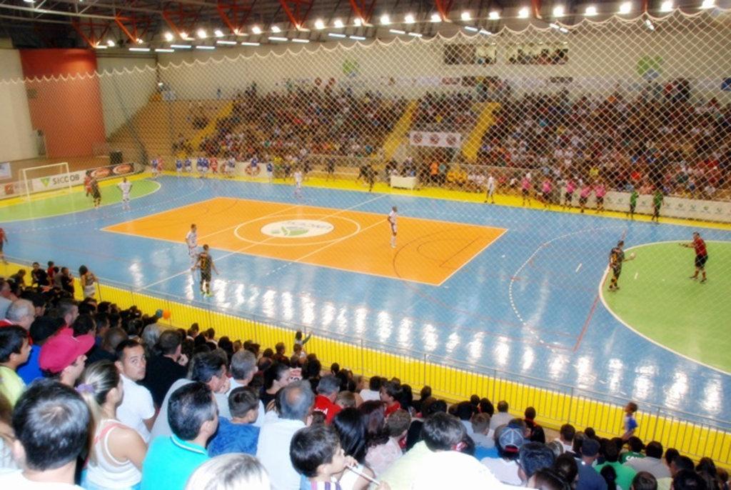 Jogo deverá lotar o Centro de Eventos da Unoesc. (Foto: Arquivo Portal Éder Luiz)
