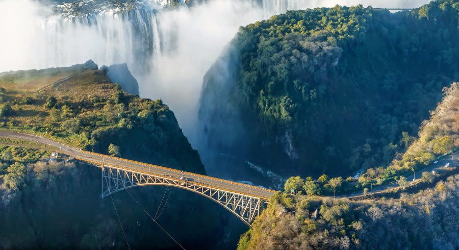 Enchanting Travels-Sambia Tours-The Victoria falls is the largest curtain of water in the world