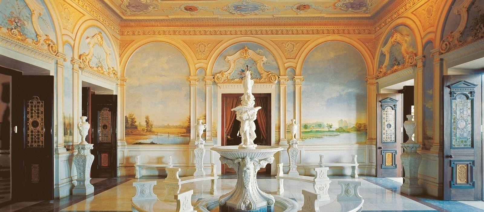 Hotel Taj Falaknuma Palace South India