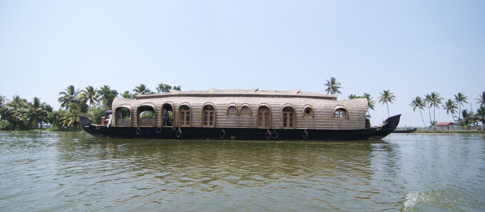 Hotel Lakes And Lagoons South India