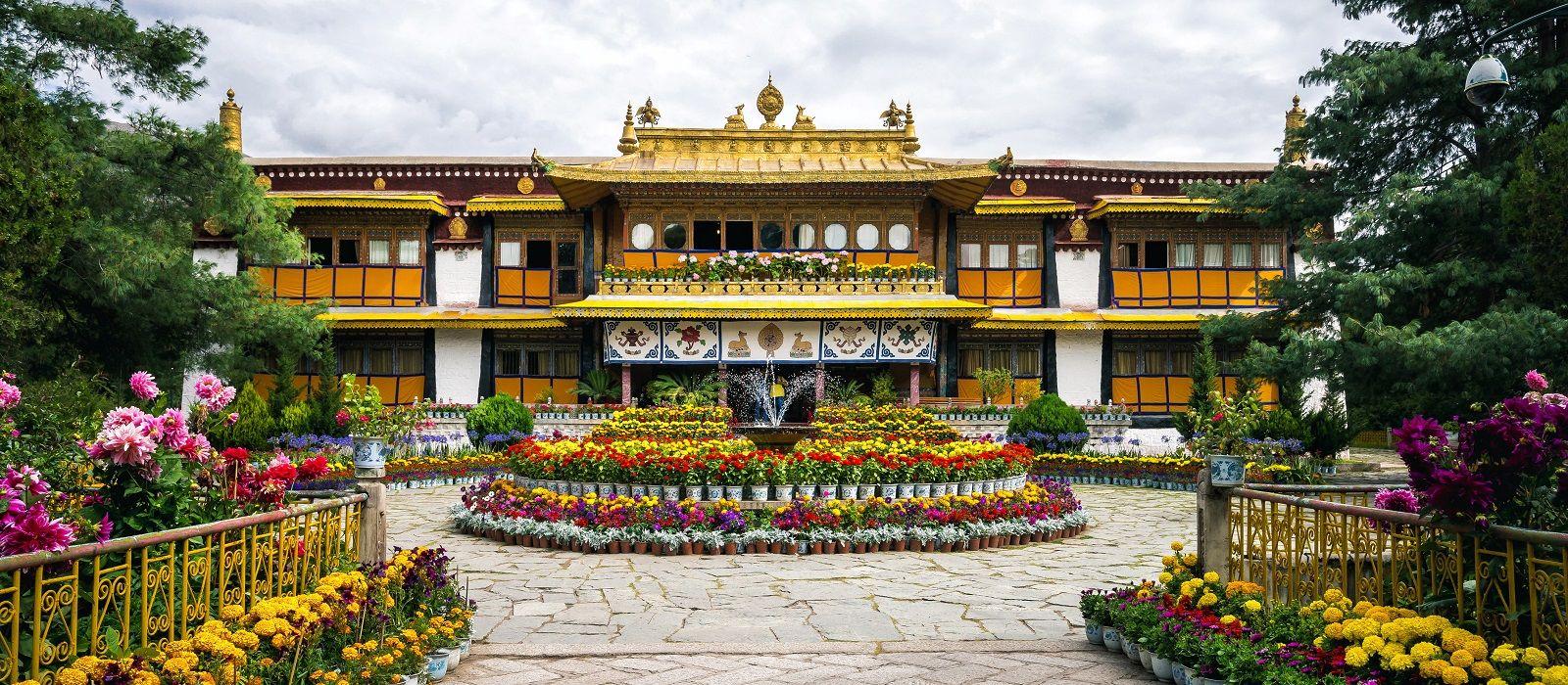 Roof of the World – Kathmandu and Lhasa Tour Trip 2
