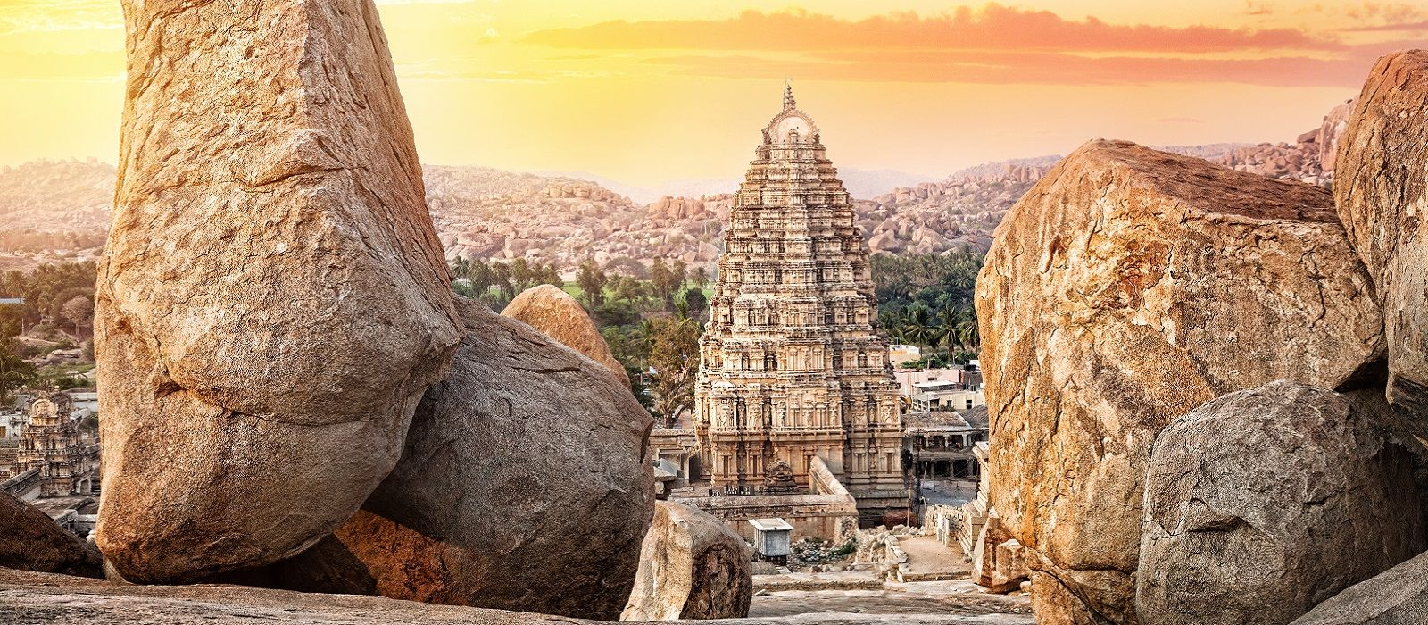 South India's Heritage Havens and Beach Tour Trip 1