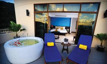 Terraces Deluxe Honeymoon Suite