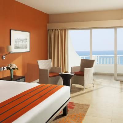 Deluxe Delight Sea View room
