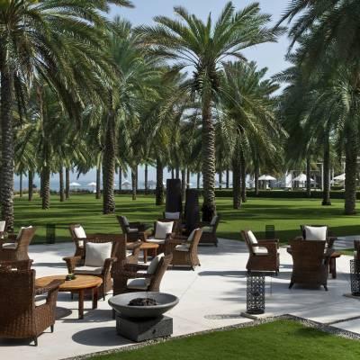 Lobby Lounge Courtyard