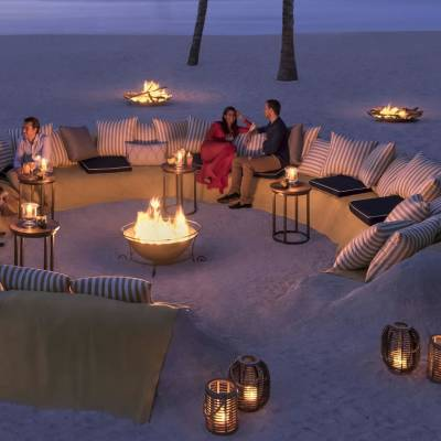 Republik Beach Bar and Grill