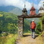 Bergwandern beim Annapurna-Trek durch den Himalaya in Nepal