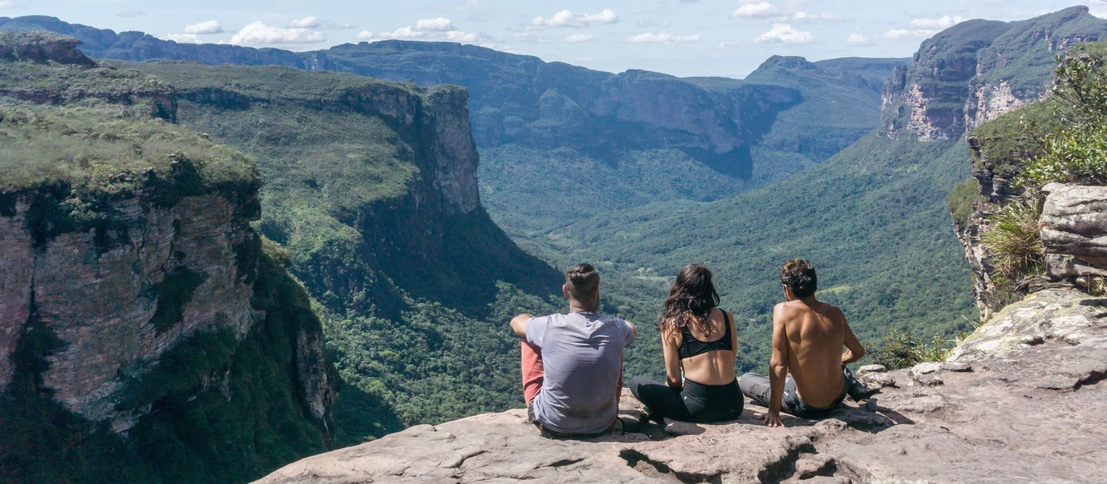 Group of hikers in Vale do Pati (Paty Valley), Chapada Diamantina National Park, Bahia, Brazil, South America