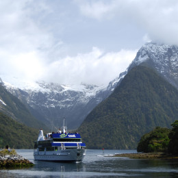 New Zealand-Milford-Sound-Fiordland-Tourism-New-Zealand